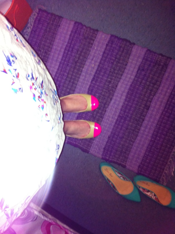 Yay new flats!  And the ones I wore today next to them lol